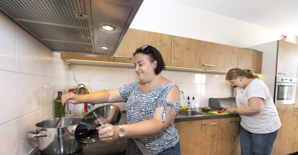 Zelfstandig of met begeleiding koken