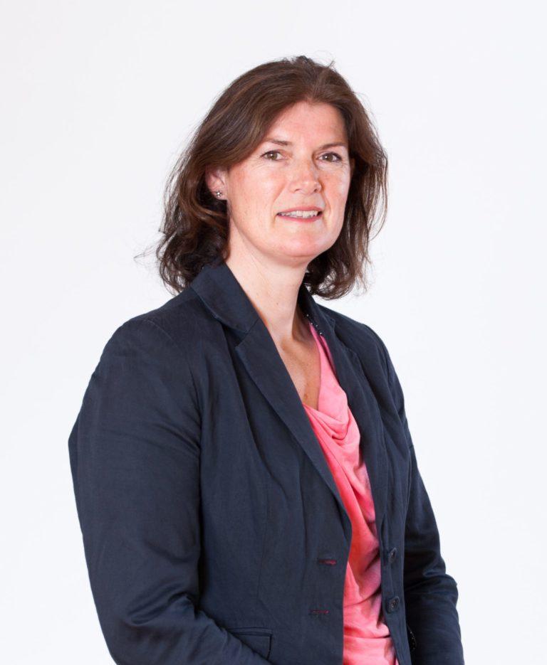 Anne Marie Smals-de Jong, lid