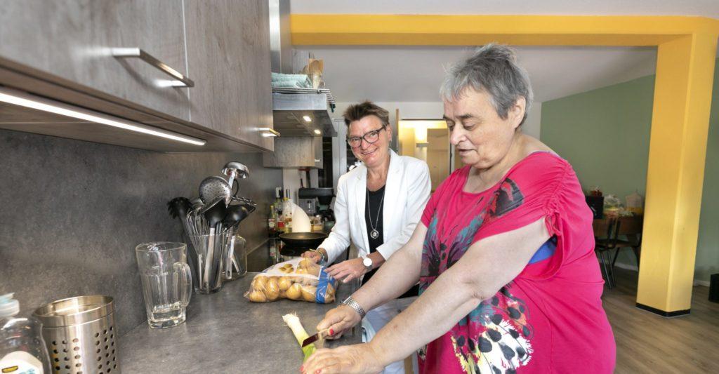Thuis koken onder begeleiding of zelfstandig in eigen keuken