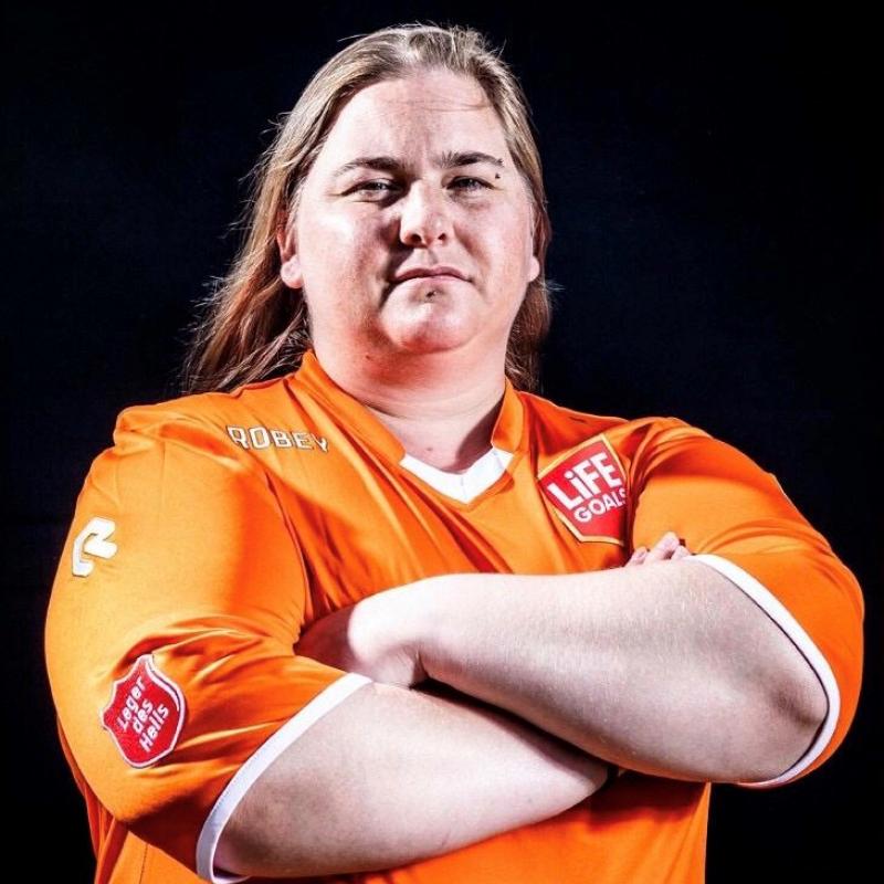 Hanneke doet mee aan WK straatvoetbal voor daklozen